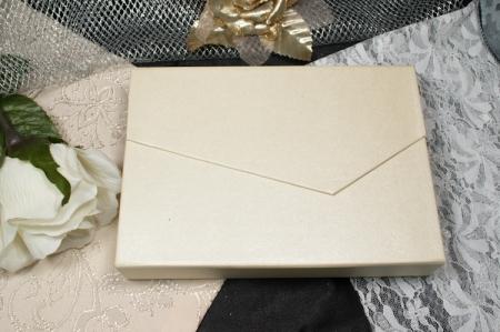 הזמנות לחתונה קופסאות b103 סגור מבט מקדימה